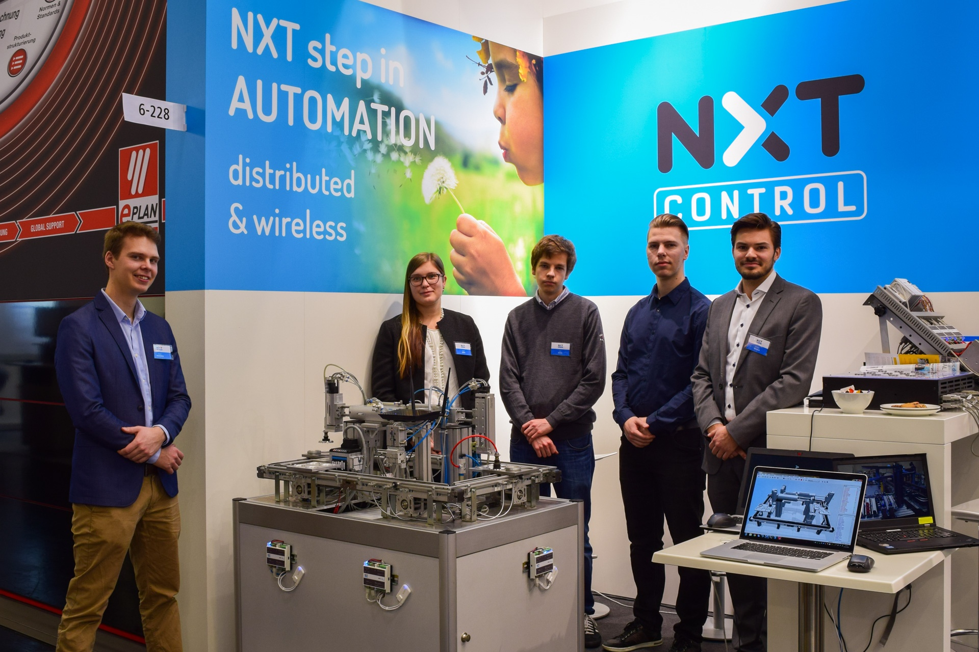 Team presenting the improved Automation Demonstrator at SPS IPC Drives 2016 in Nuremberg